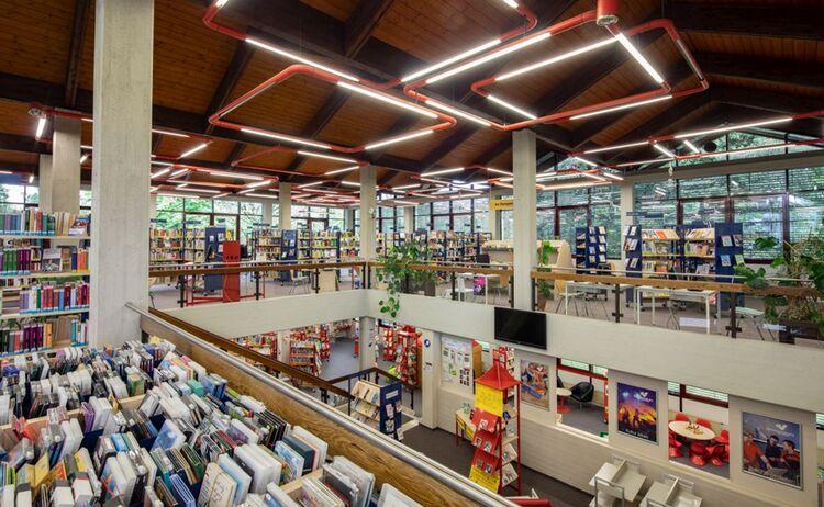 Das Obergeschoss Des Haus Des Buches Im Ueberblick