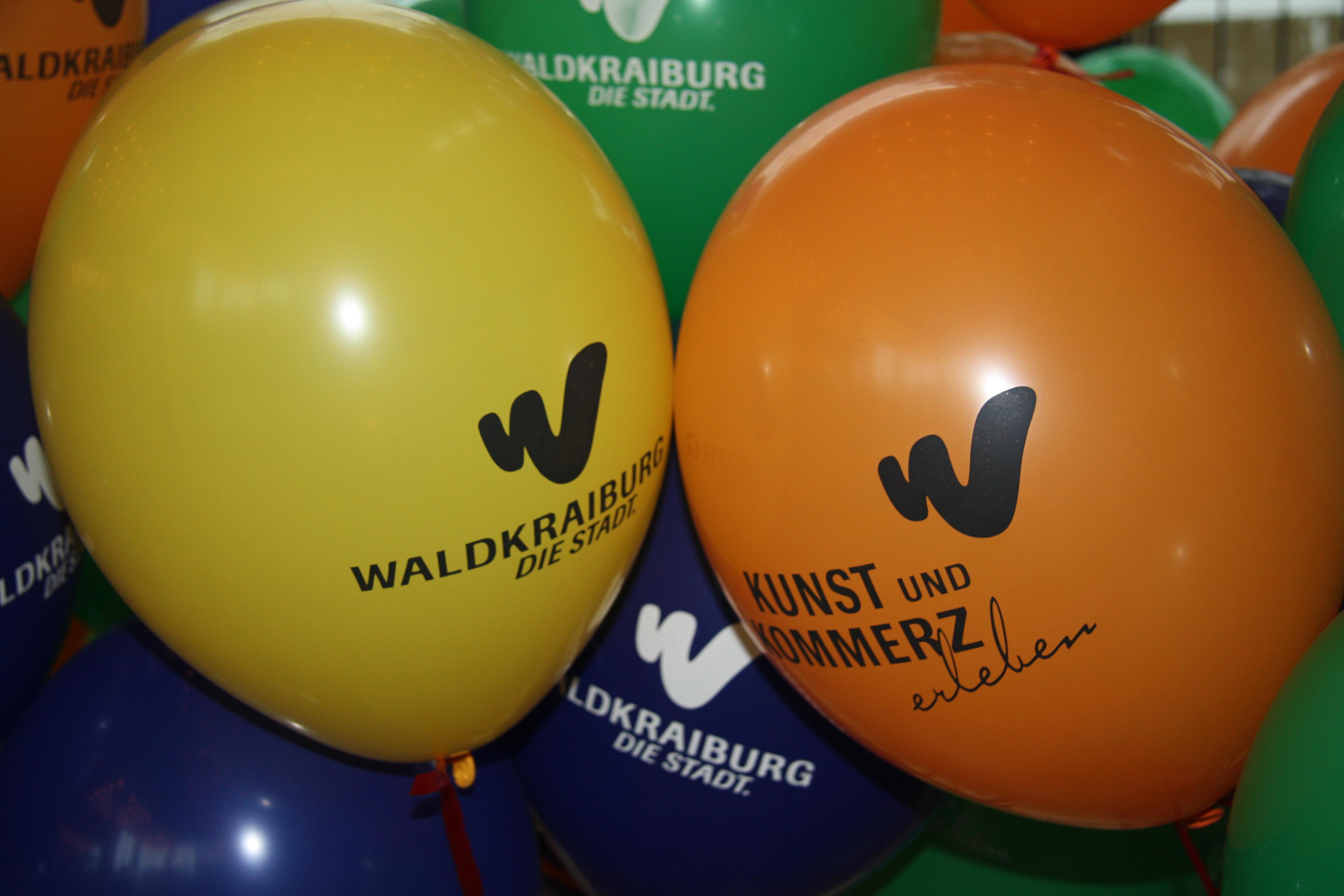 Luftballons Kunst und Kommerz