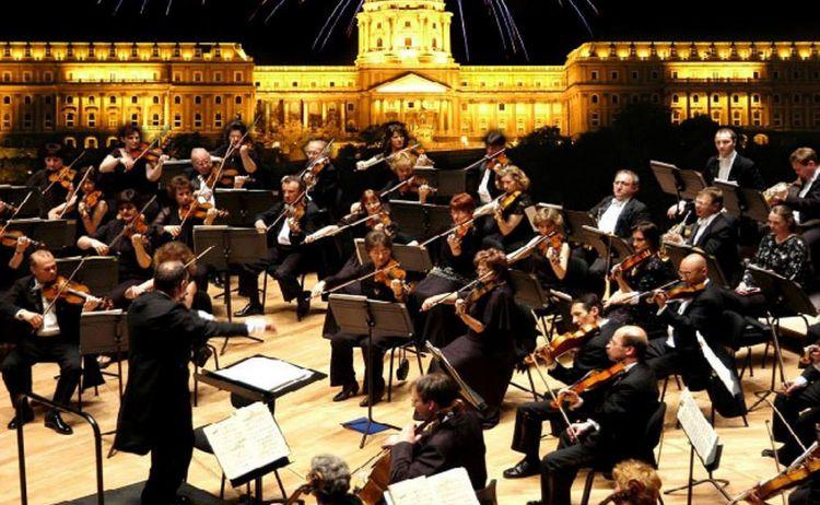 J Strauss Orchester Budapest Ausschnitt Copy 1