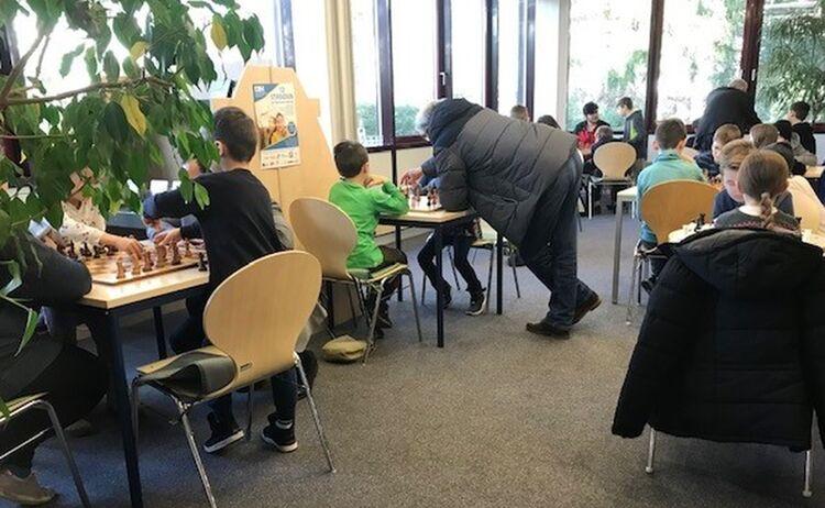 Kinder Beim Schachspielen Im Haus Des Buches