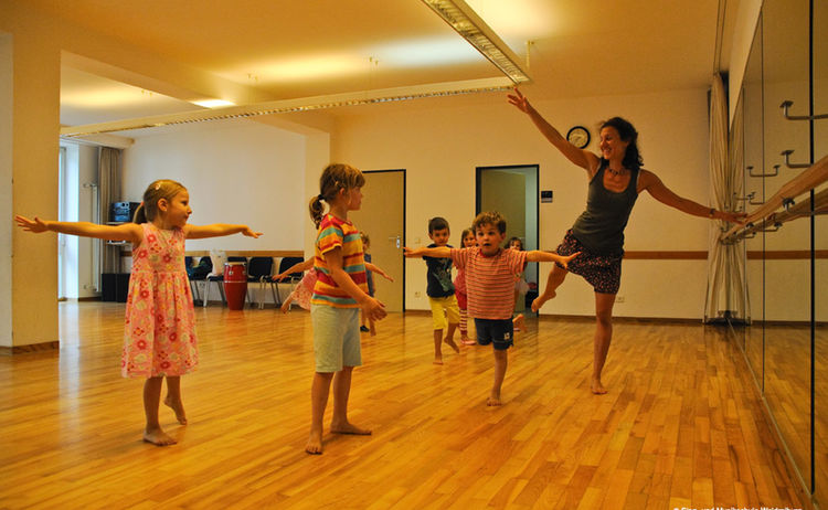 Sabine Schweikl Tanzgruppe Copy