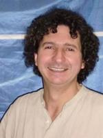 Portaitfoto des Musikschullehrers Velez Guillermo